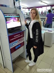 Стойка онлайн заказа в Магазине Оптитрон п. Ольга